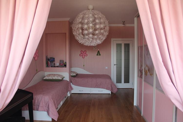 Комплексная отделка детской комнаты в квартире