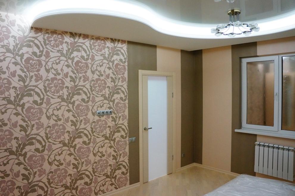 Ремонт комнаты в коричневом цвете, подсветка.