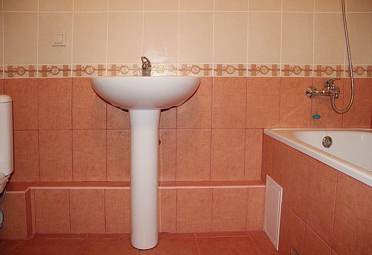 Косметическая отделка ванной комнаты в новостройке